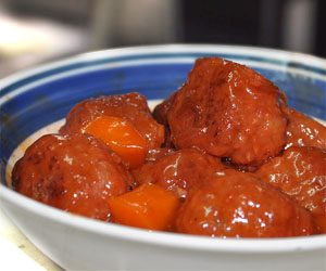 recipe: sweet and sour meatballs with pineapple and tomato sauce [2]