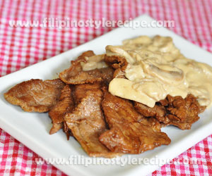 Breakfast Steaks with Creamy Mushroom