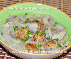 Mushroom Sotanghon Soup with Meatballs